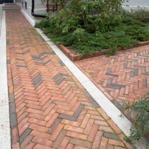 Brick-Walk