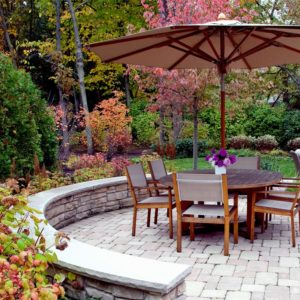 Dining-Patio-Seat-Wall